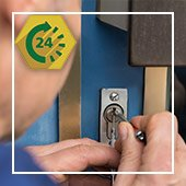 Lock Locksmith Tech Indianapolis, IN 317-975-2288